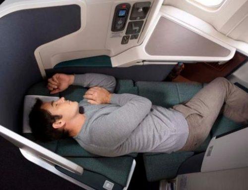 First- en Business-passagiers Cathay hoeven geen mondkapje meer te dragen tijdens het slapen